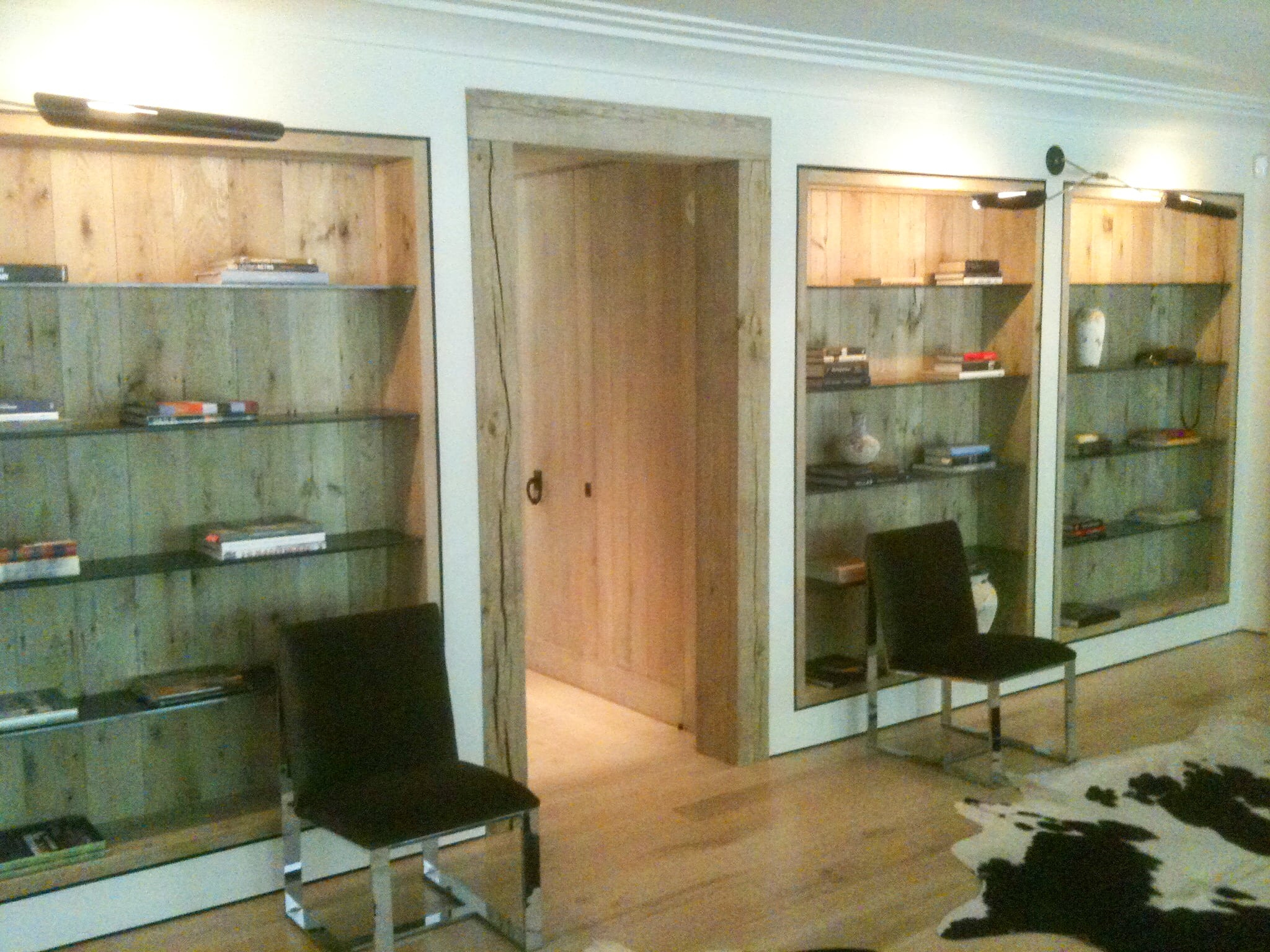 Built in Traditional Oak Bookshelves