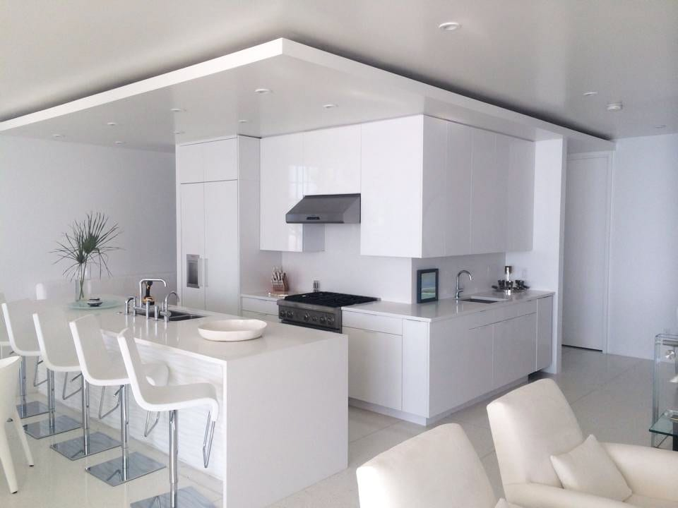 Sleek White Kitchen with White Cabinets