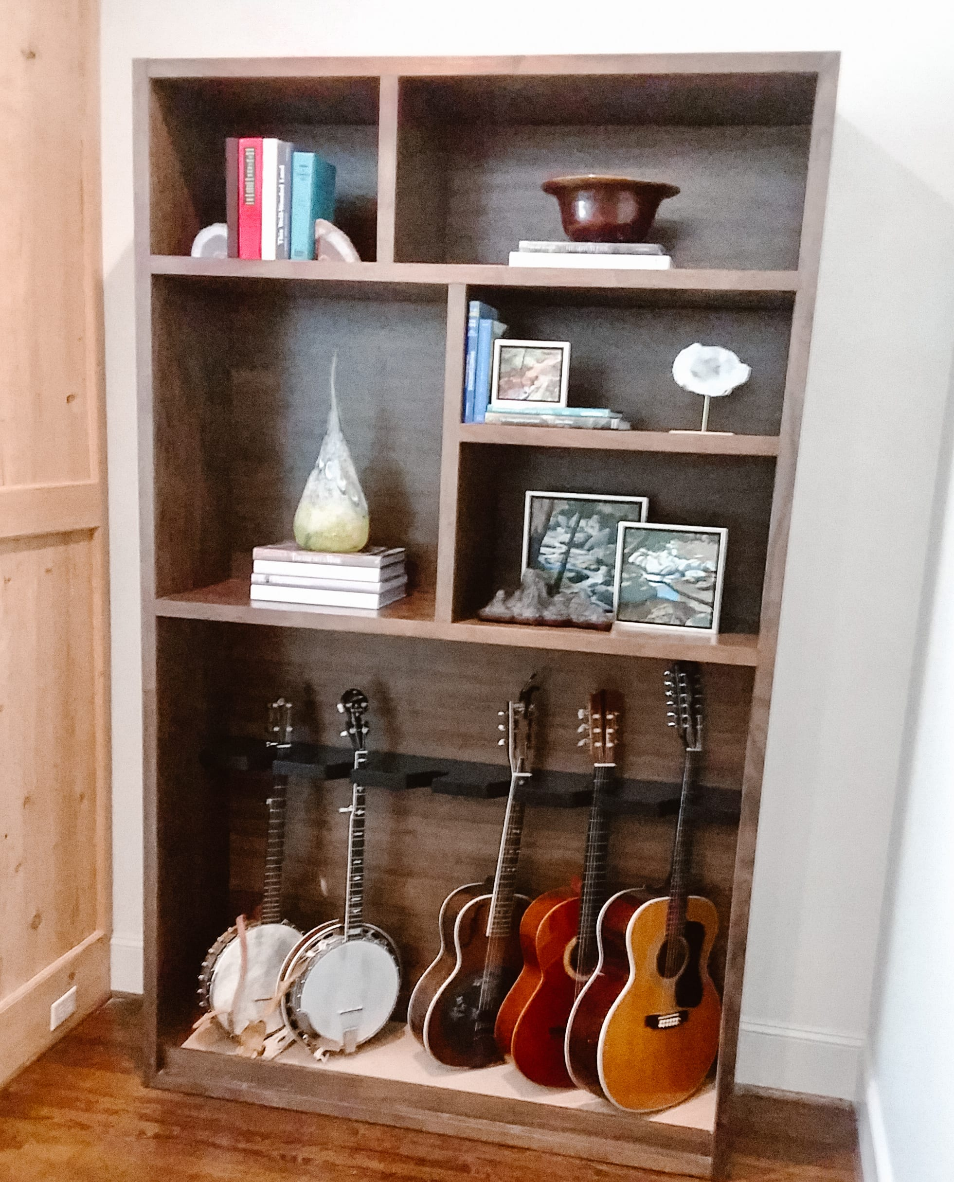Walnut Guitar Rack