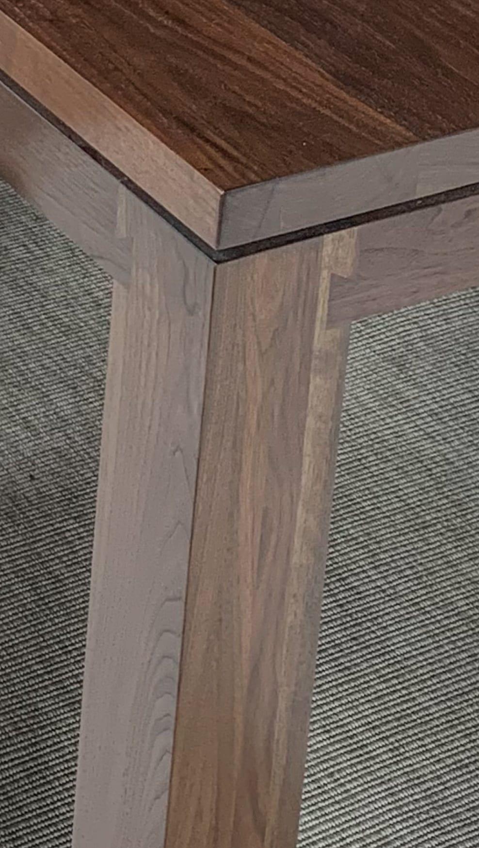 Table Corner Details